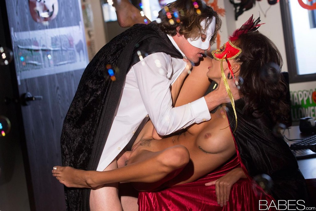 Babes Janice Griffith in Trick or Treat | Janice Griffith ...